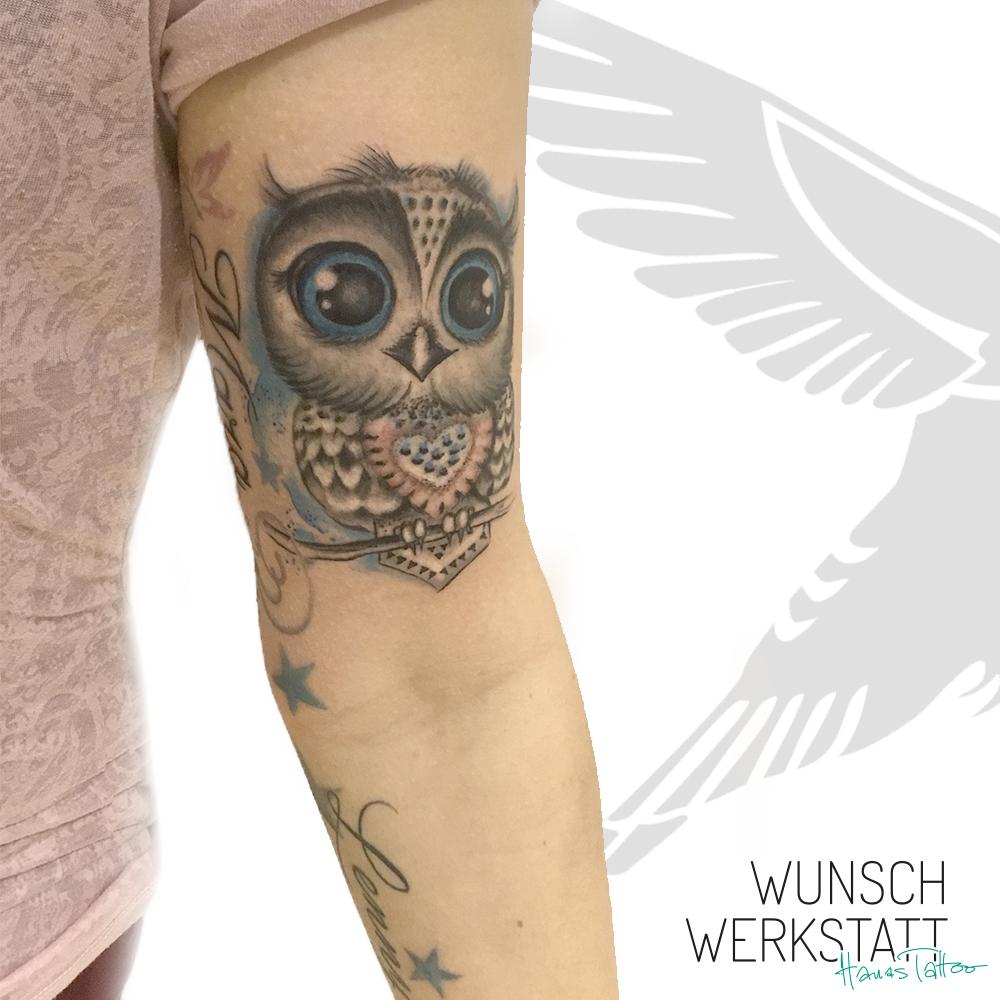 Tattoo Baby Eule mit großen Augen