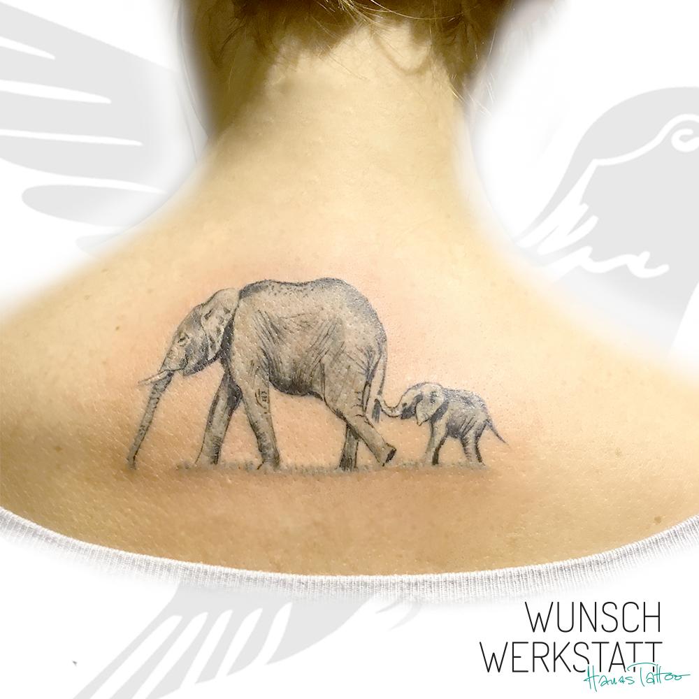 Elefant mit Baby Tattoo Rücken Wunschwerkstatt