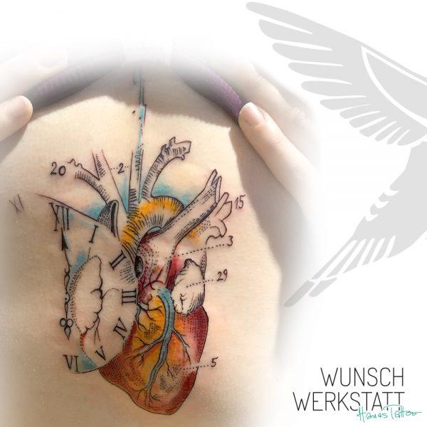 Herztattoo realistisch Anatomie