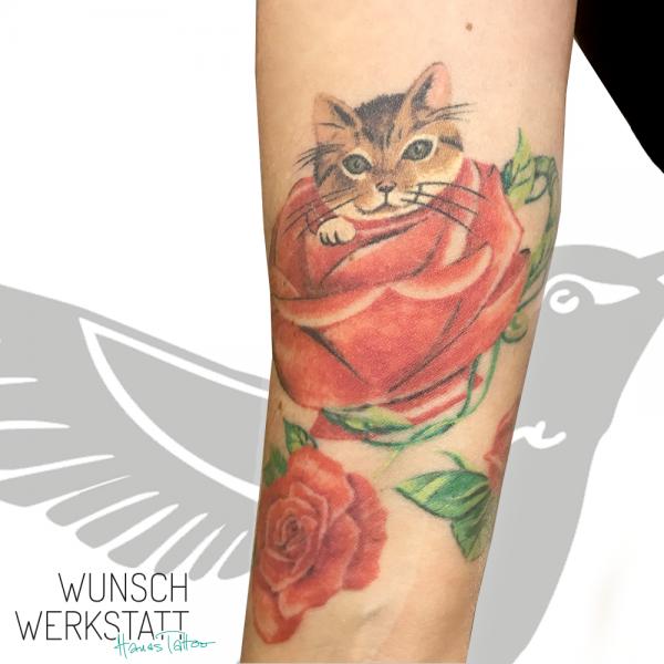 Hanas Tattoo Wunschwerkstatt Rosen Kater