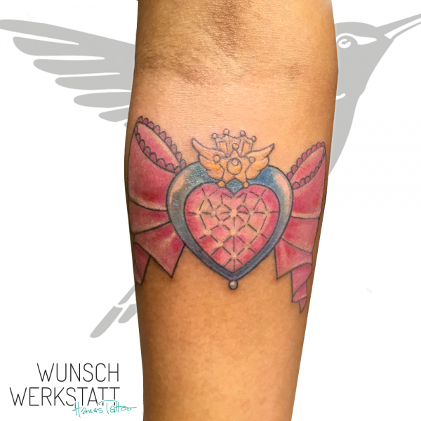 Hanas Tattoo Wunschwerkstatt Sailor Moon Schleife