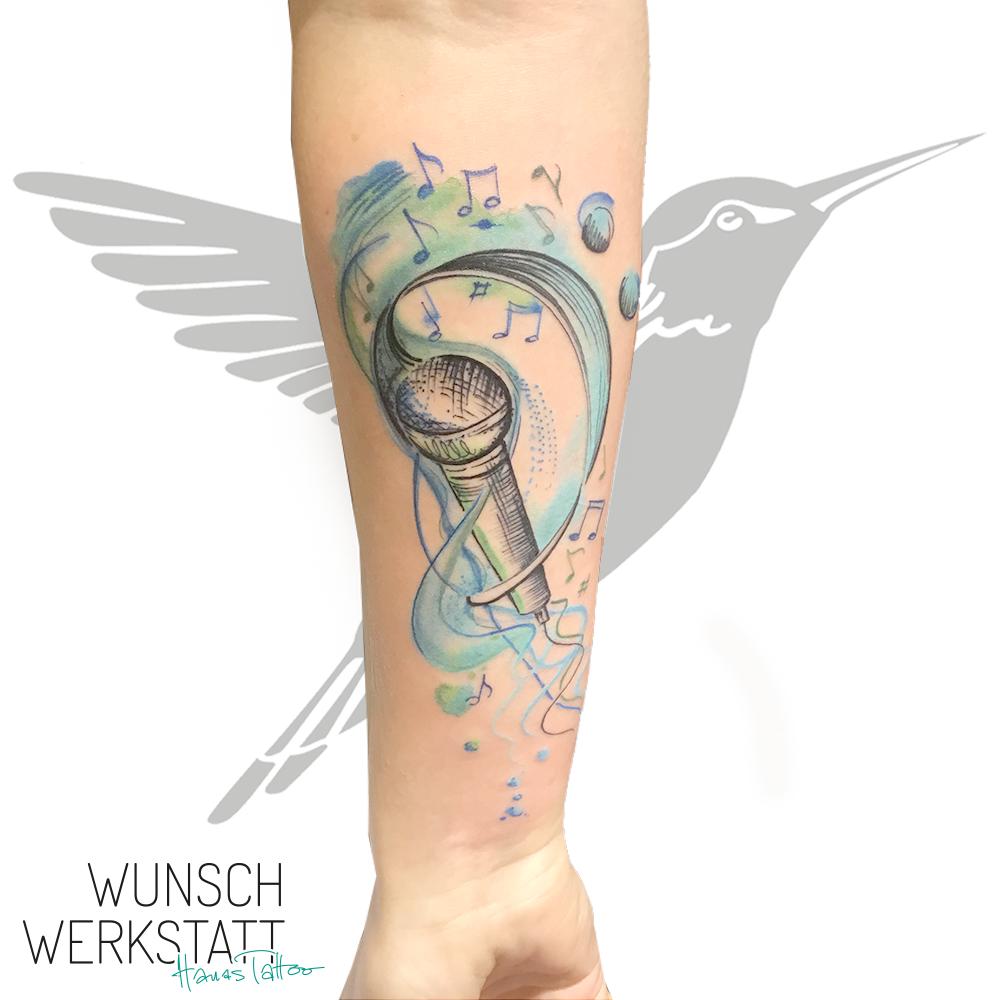 Aquarell Musik Tattoo von Hana
