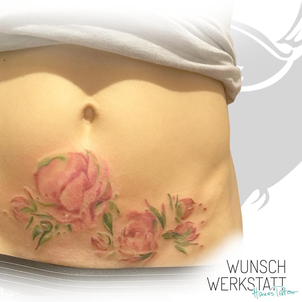 Rosen-Tattoo von Wunschwerkstatt auf Bauch