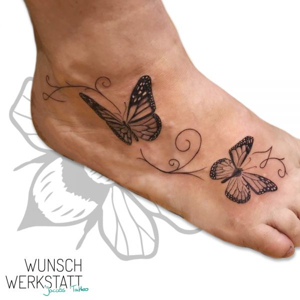 Wunschwerkstatt Jacobs Tattoo Schmetterlinge am Fuß