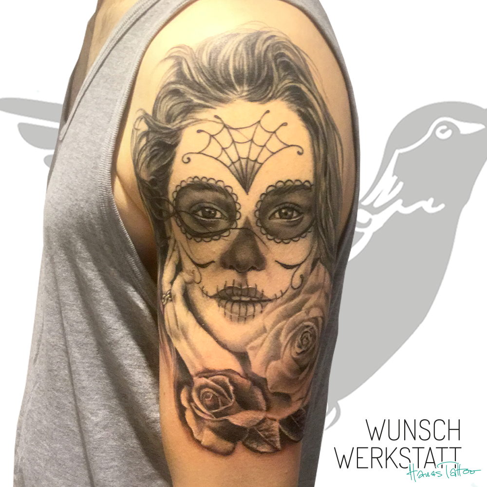 Hanas Wunschwerkstatt Tattoo Oberarm tote Frau de la muerte