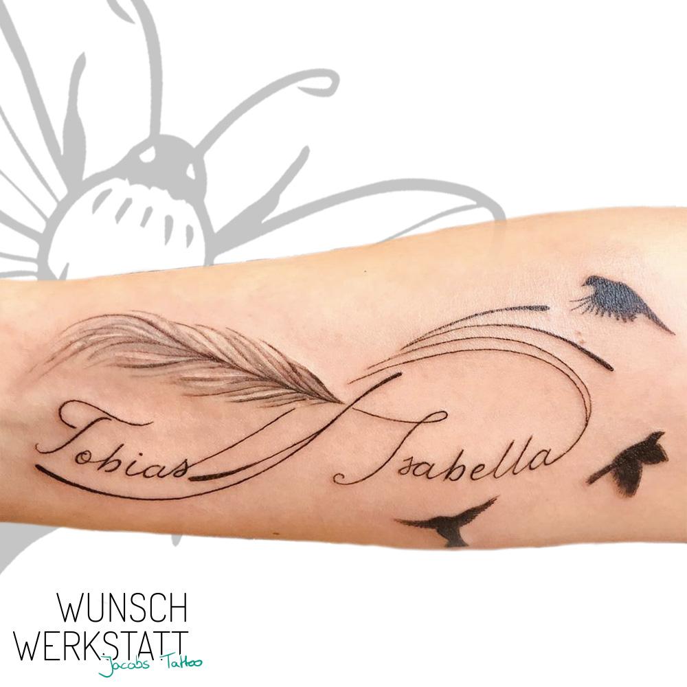 Wunschwerkstatt Jacobs Tattoo Feder Unendlichkeitszeichen Vögel und Namen