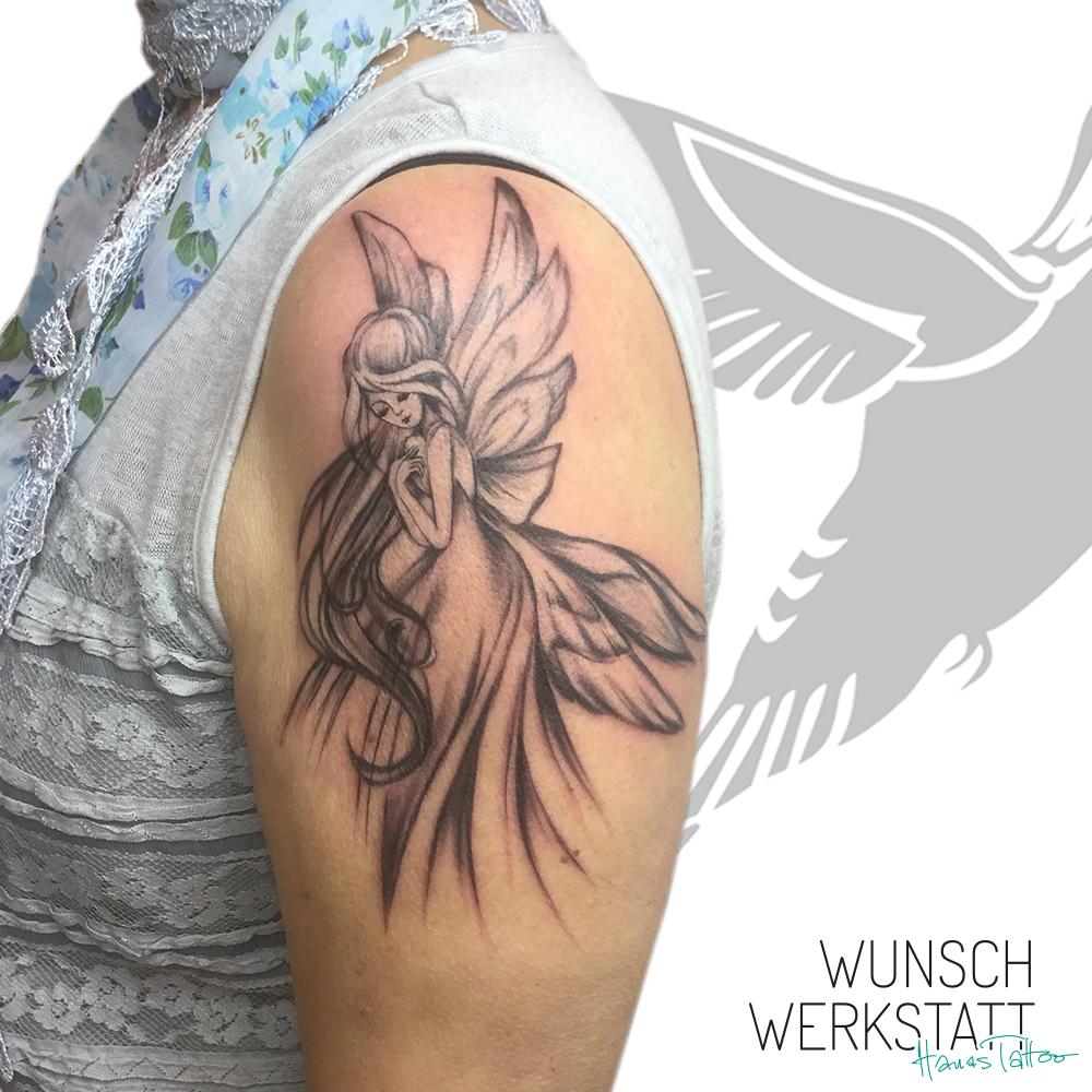 Tattoo Oberarm Hana Wunschwerkstatt Würzburg